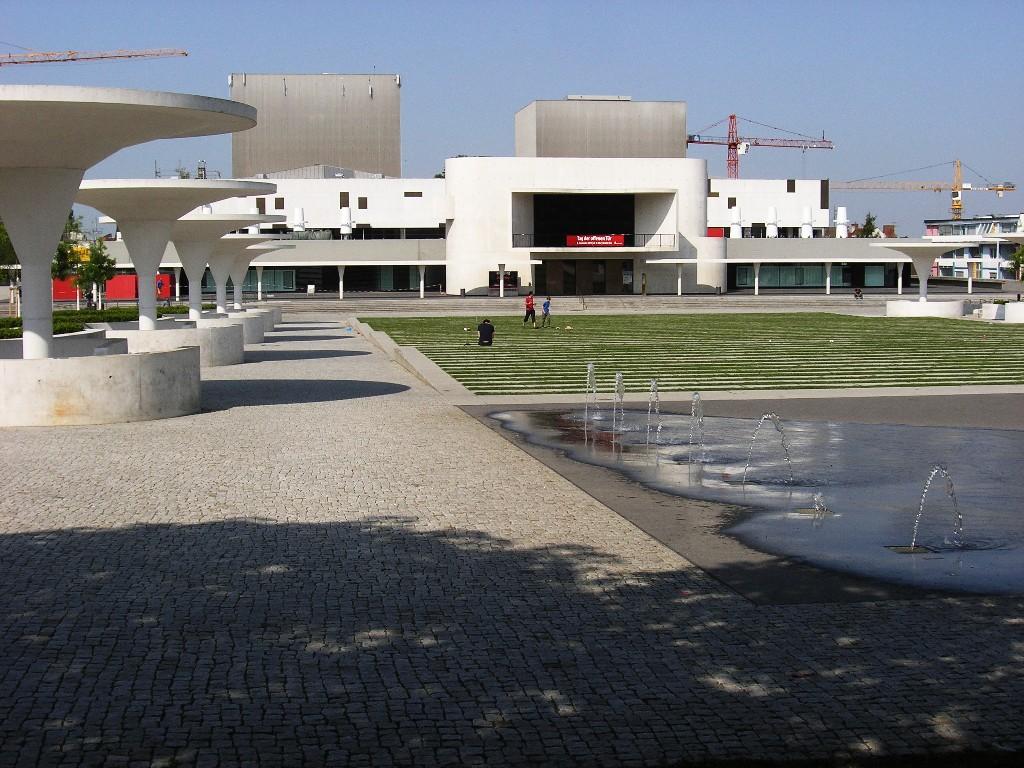 Darmstadt: Staatstheater (1968-72; Rudolf Prange)