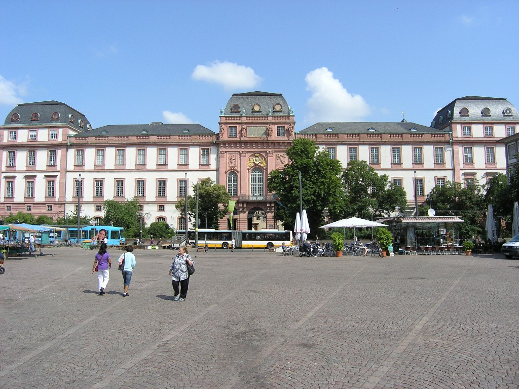 Darmstadt: Residenzschloß von Süden - Princely Palace from the south