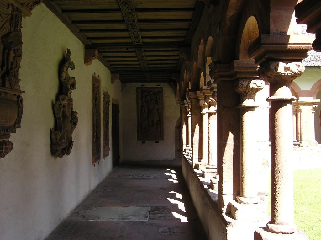 Aschaffenburg: Stiftskirche.  Kreuzgang (Westflügel)